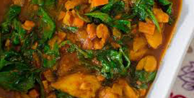 Super Scrumptious Spinach and Chicken Slow Cooker Curry