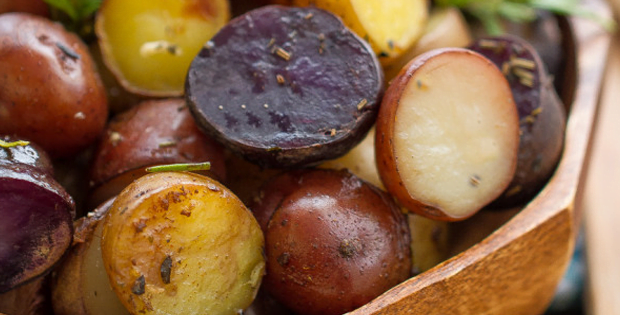 A Festive Slow Cooker Garlic Rosemary Tri-Color Potatoes
