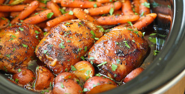 How To Cook Slow Cooker Honey Garlic Chicken and Veggies [VIDEO]
