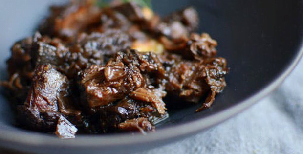 Tender And Luscious Slow Cooker Peppered Beef Shank In Red Wine