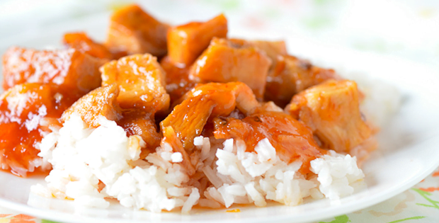 A Very Easy 3-Ingredient Slow Cooker Sweet And Sour Chicken