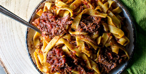 Slow Cooker Short Rib Pasta That You'll Deeply Fall In Love With