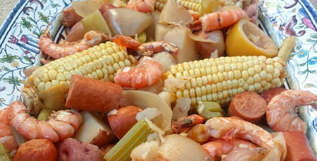 Slow Cooker Cajun Country Boil